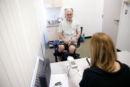 Parkinsons-help-device05