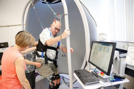 Parkinsons-help-device20