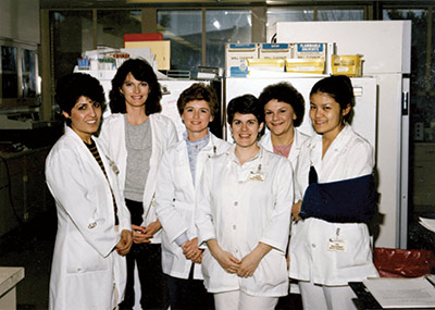 girls in the lab